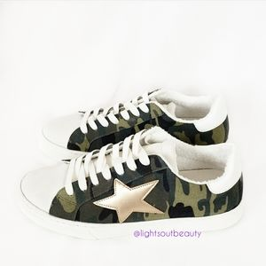 Steven New York Reeves Camo & Star Sneakers